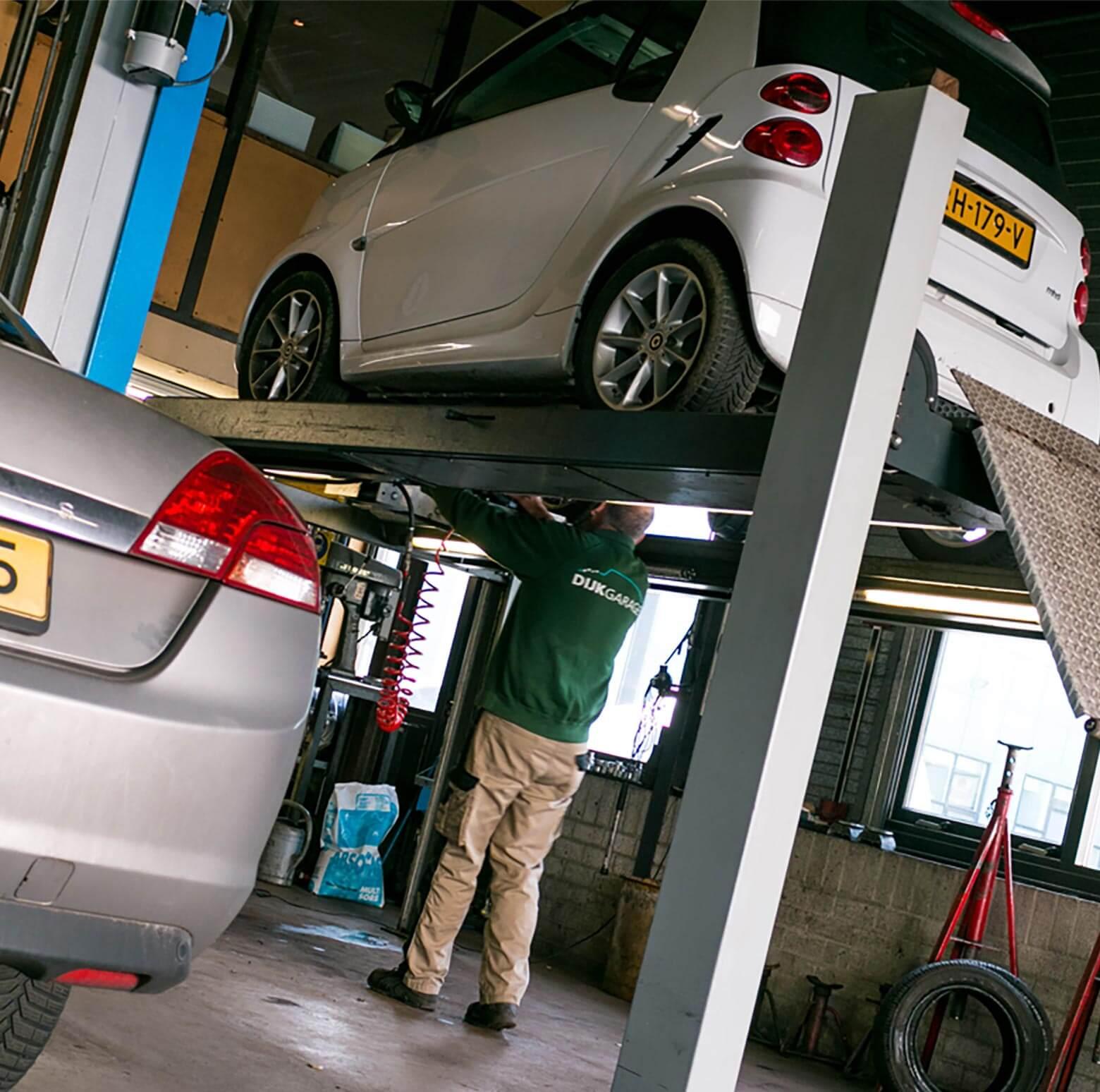 Van-Dijk-Garage-binnen